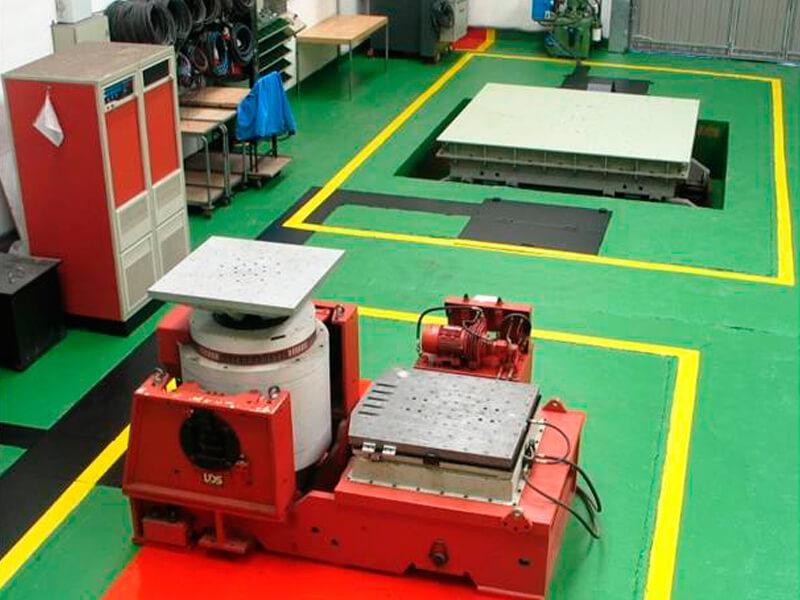 Instalaciones de laboratorio de ensayos de vibraciones y choques de todo tipo